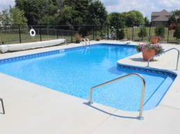 I Shaped Vinyl Liner Swimning Pool With Full Width Steps Sun Deck Cuddle Cove Deep End With Deck Jets