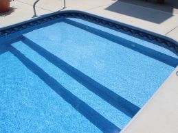 Vinyl Liner Pool With Full Width Steps Sun Deck Pool And Spa
