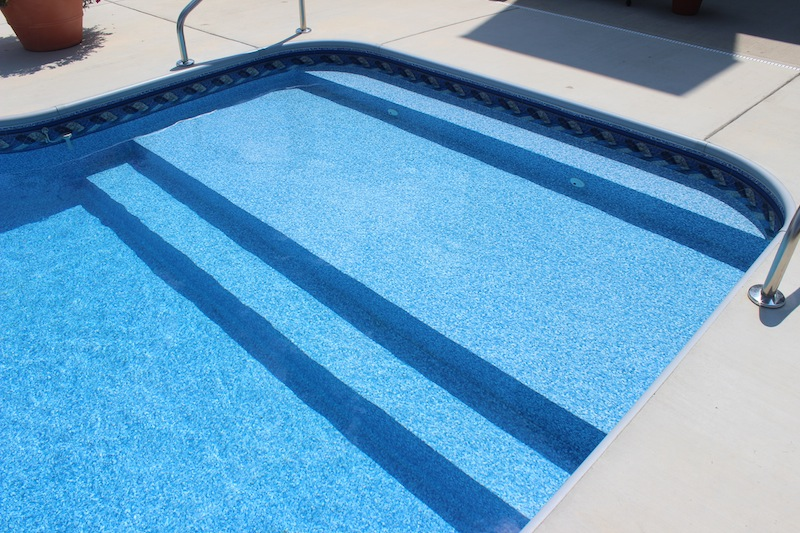 vinyl liner pool with full width steps sun deck pool and spa - Above Ground Pool Steps For Decks